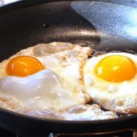 Фото жареных яиц 3