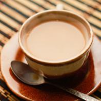 Фото черного чая с молоком 3