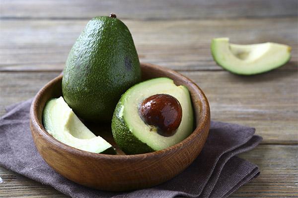 Как выбрать спелый авокадо в магазине