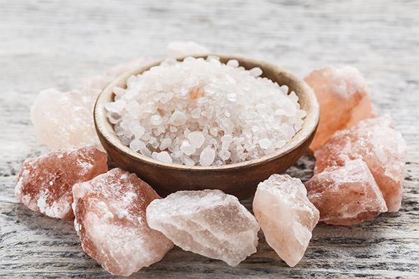 Как применять гималайскую соль для бань и саун