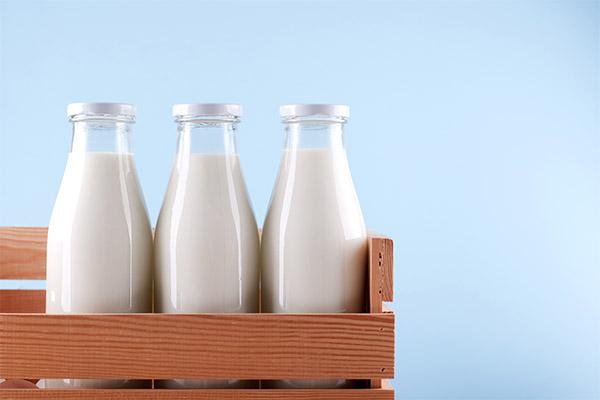 Как выбрать и хранить молоко