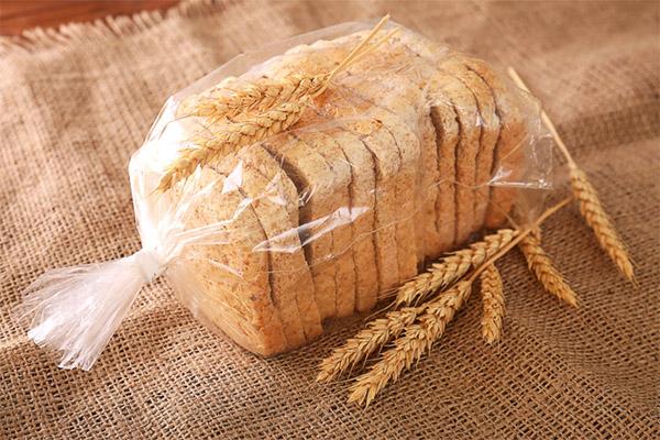 Как хранить хлеб, чтоб он не плесневел