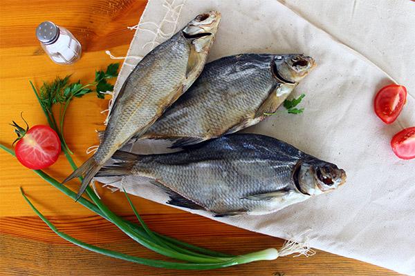 Польза и вред сушеной и вяленой рыбы