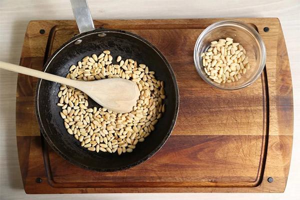Применение кедровых орехов в кулинарии