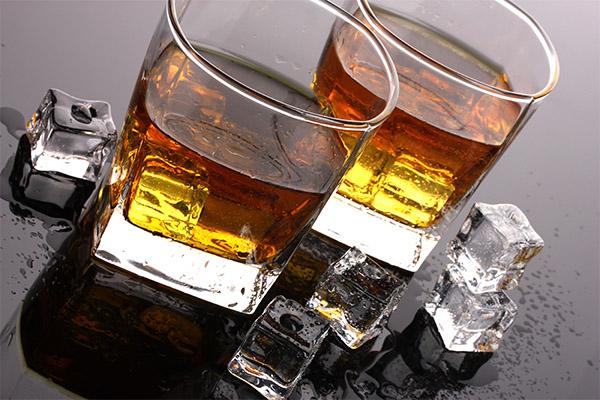 В чем разница виски и коньяка