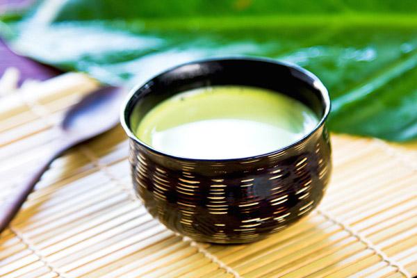 Вред и противопоказания зеленого чая с молоком