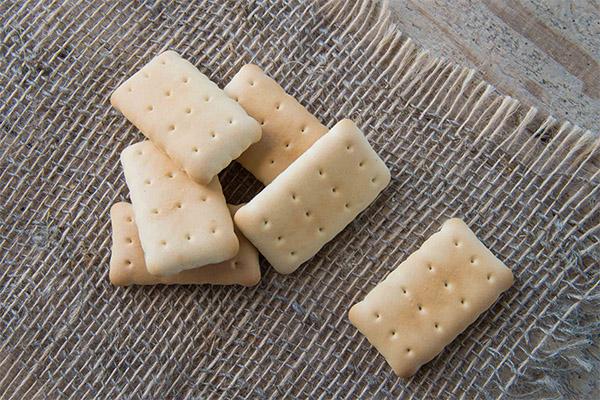 Чем полезно галетное печенье