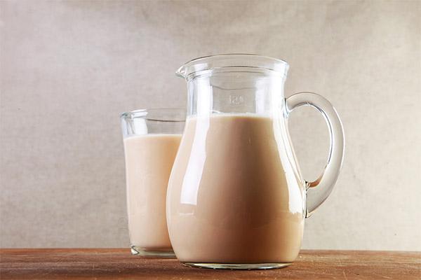 Чем полезно топленое молоко