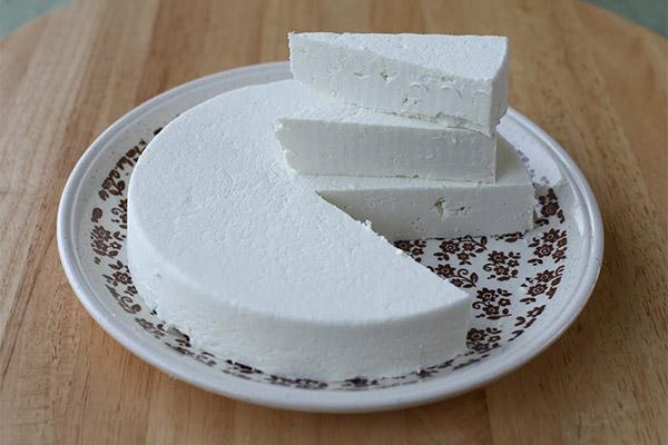 Польза сыра из козьего молока