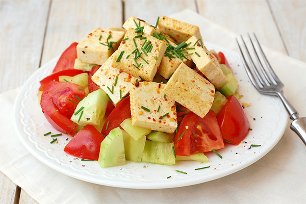 Простой салат с тофу