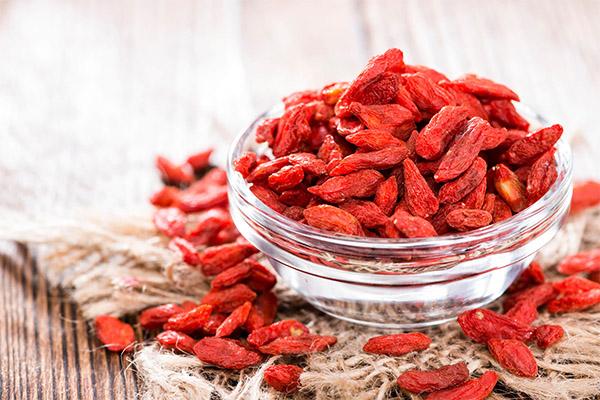 Польза и вред ягод годжи