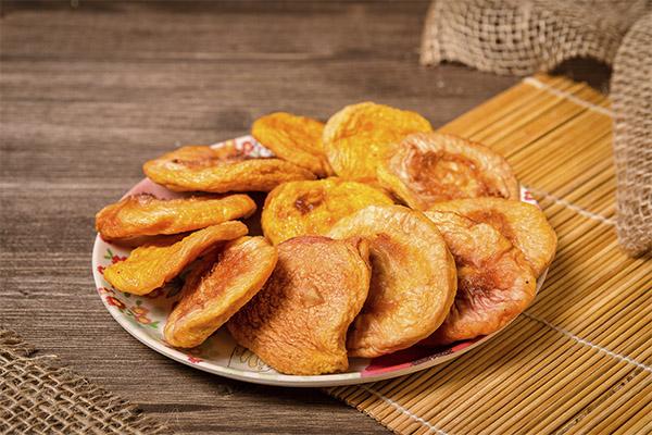 Польза сушеных и вяленых персиков