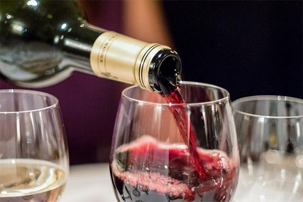 Сколько можно пить вина в день