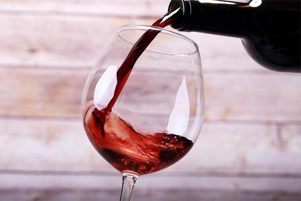 Выбор правильных бокалов для вина