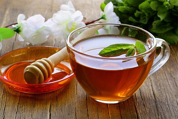 Чем полезен чай с медом