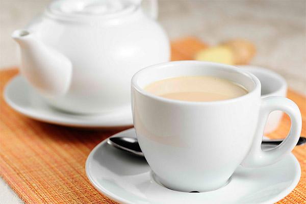 Черный чай с молоком для детей