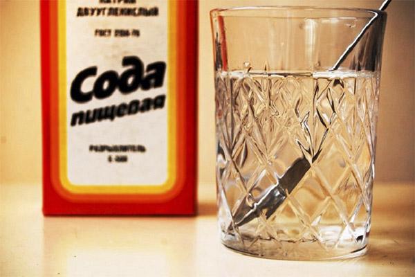 Польза и вред воды с содой натощак