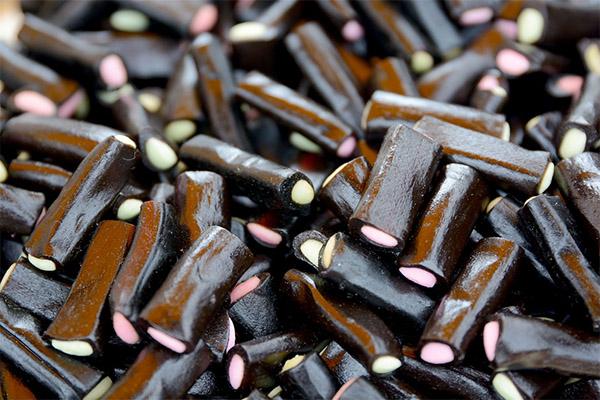 Чем полезны конфеты из лакрицы