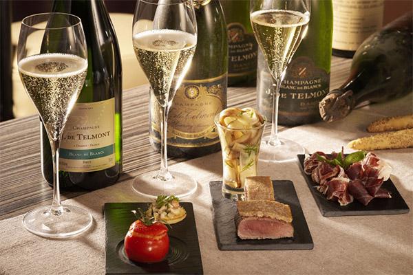 Чем запивать и закусывать шампанское