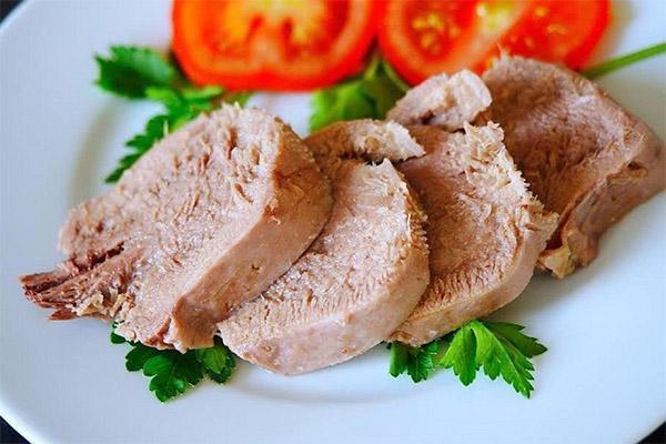 Как и сколько варить свиной язык до готовности
