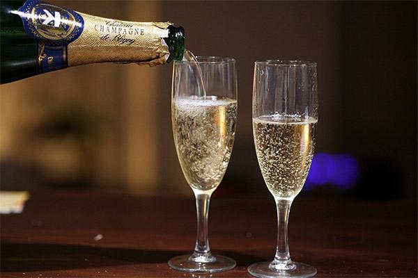 Правила подачи шампанского