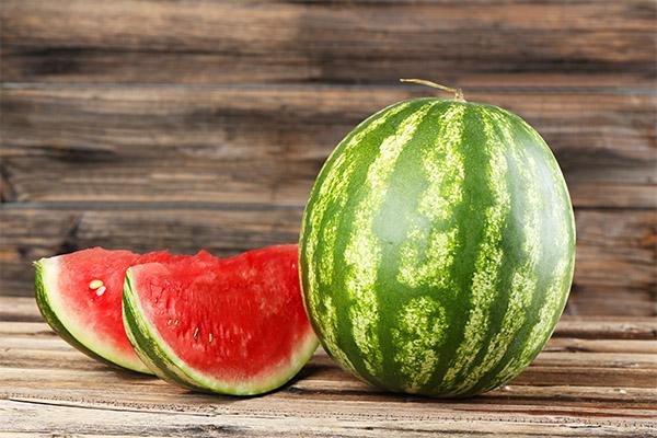 Какие ягоды можно, а какие нельзя употреблять при запоре