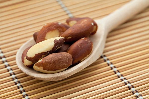 Какие орехи можно, а какие нельзя употреблять при подагре